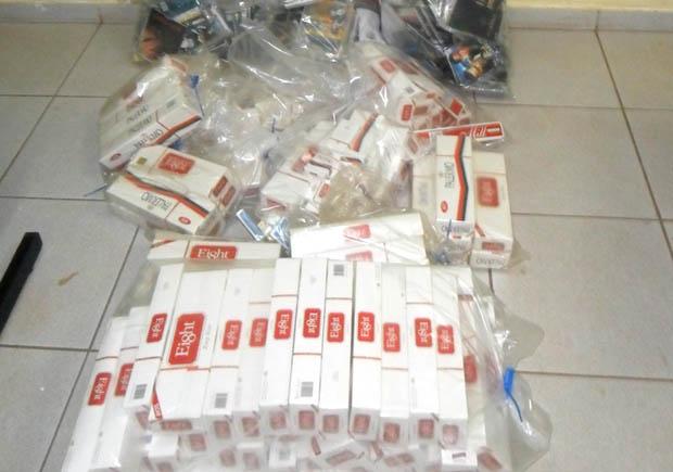 Cigarros apreendidos durante operação antipirataria em Jardinópolis, SP (Foto: Divulgação / Polícia Civil)