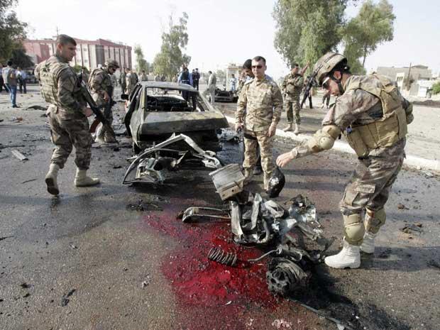 Série de ataques simultâneos deixou dezenas de mortos no Iraque. (Foto: Ako Rasheed / Reuters)