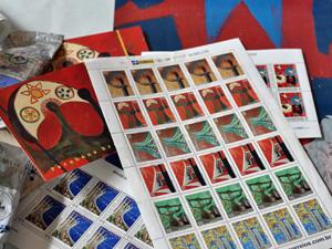 Obras da artista viraram selos no Brasil e na Holanda (Foto: Divulgação)