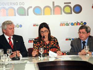 Arnaldo Melo, Roseana Sarney e Wanshington Oliveira durante lançamento do Plano (Foto: Handson Chagas)