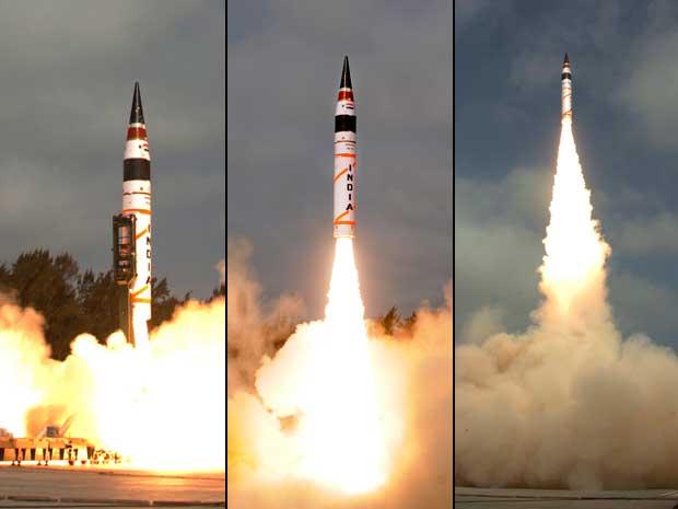 Míssil pode alcançar alvos a mais de 5 mil km de distância. (Foto: Ministério de Defesa da Índia / AP Photo)