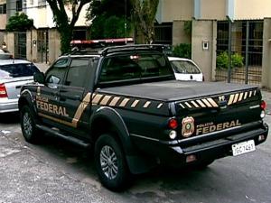PF cumpriu mandados de busca em escritórios de Vitória. (Foto: Reprodução/TV Gazeta)