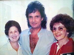 Irmãs Volpato se dedicaram a acompanhar carreira de Roberto Carlos (Foto: Reprodução/ Amanda Monteiro)