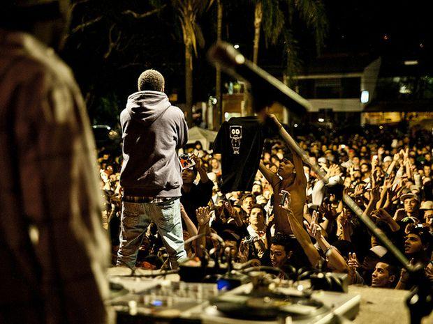 Enxame promove eventos como Festival Canja, que incentiva outros estilos musicais.  (Foto: Divulgação)
