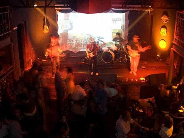 Casa surgiu inspirada no movimento beats dos anos 50 e 60 e hoje cede espaço ao sertanejo  (Foto: Divulgação)