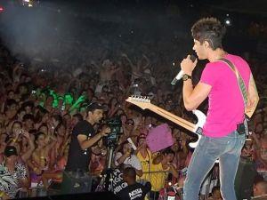 Com a disseminação do estilo, a procura é maior em  shows com cantores famosos como Gusttavo Lima.  (Foto: Divulgação)