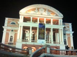 Abertura aconteceu no Teatro Amazonas (Foto: Mônica Dias/ G1 AM)