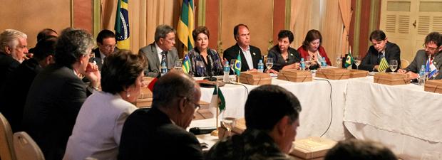 A presidente Dilma Rousseff, durante reunião com governadores em Aracaju (SE), para tratar da seca no Nordeste (Foto: Roberto Stuckert Filho/PR)