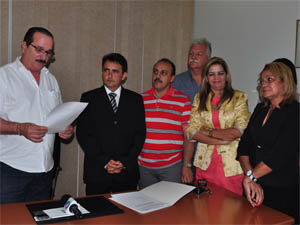 Posse foi dada pelo presidente da Câmara (Foto: Divulgação/Câmara Municipal de João Pessoa)