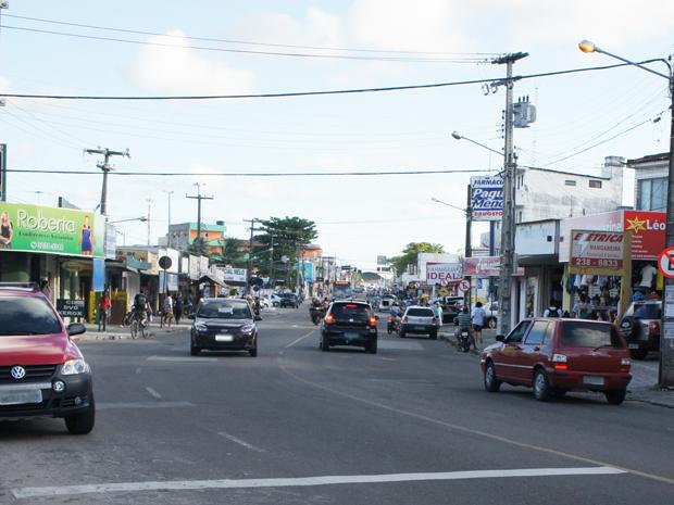 Avenida Josefa Taveira, uma das principais do bairro de Mangabeira, Paraíba (Foto: Inaê Teles/G1)