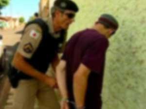 Abusadores não são acompanhados após prisão (Foto: Reprodução/TV Integração)