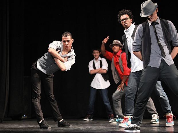 Grupo se apresenta no EnesDANÇA 2011 (Foto: Divulgação/EnesDANÇA)