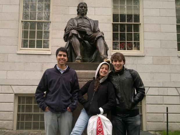 Gustavo Haddad, Tábata Amaral e João Henrique Vogel são os três brasileiros aceitos em Harvard neste ano (Foto: Arquivo pessoal)