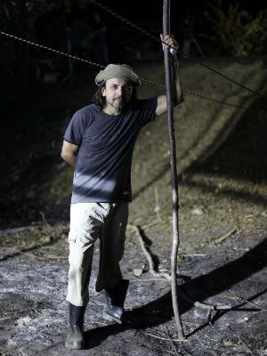 Halder Gomes, produtor executivo de 'Área Q', no set de gravação do filme (Foto: Área Q/ Divulgação)