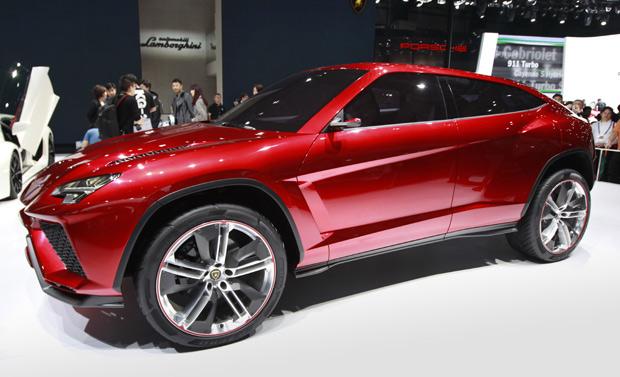 Lamborghini Urus visa ampliar a atuação da marca italiana no mundo (Foto: Vincent Thian/AP)