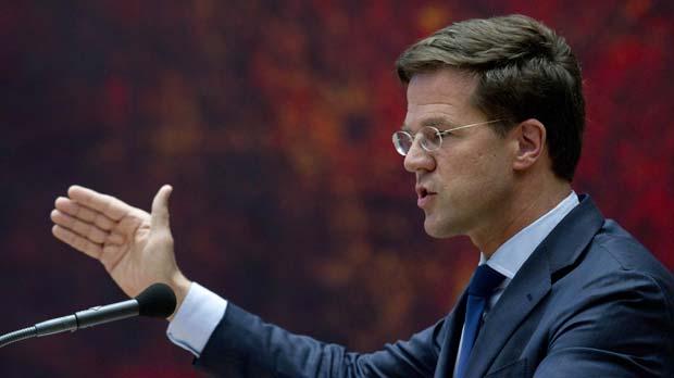 O primeiro-ministro demissionário da Holanda, Mark Rutte, fala ao Parlamento nesta terça-feira (24) (Foto: AP)