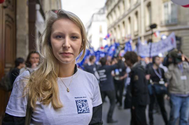 Marion Marechal-Le Pen em 1º de maio de 2011 em Paris (Foto: AFP)
