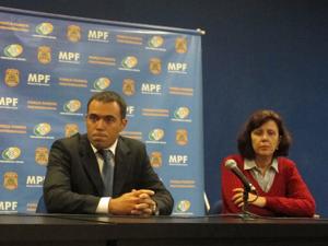 Delegado e superintendente (Foto: Leticia Macedo/G1)