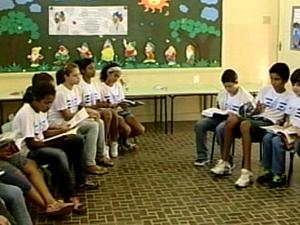 Setor de Araxá ganha biblioteca (Foto: Reprodução/TV Integração)