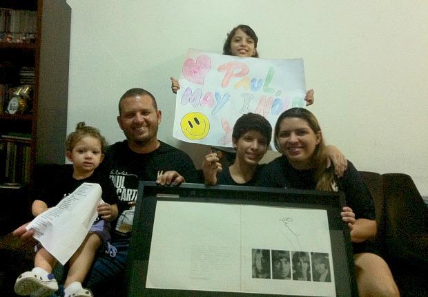 Família de Hanna exibe coleções do Paul (Foto: Mônica Dias/G1)