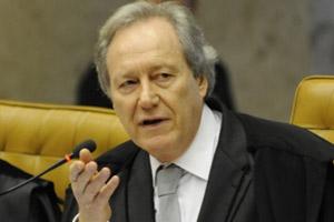 O ministro Ricardo Lewandowski, relator de ações que contestam o sistema de cotas nas universidades (Foto:  Fábio Rodrigues Pozzebom / Agência Brasil)