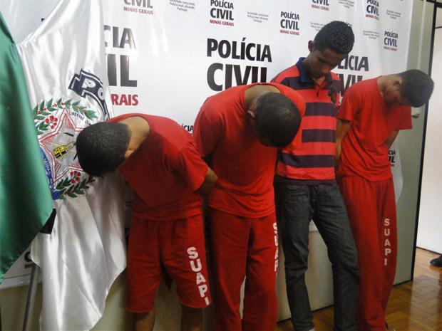 Polícia apresenta suspeitos de homicídio em MG. (Foto: Reprodução/TV Globo)