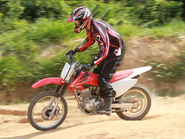 Honda CRF 150F custa R$ 8.690 (Foto: Caio Mattos/ Divulgação)