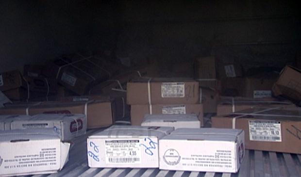 400 kg de carne foram roubados em caminhão (Foto: Reprodução/TV Gazeta)