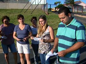 Moradores estão indignados com o aumento de 600% no valor do IPTU.  (Foto: Reprodução/EPTV)