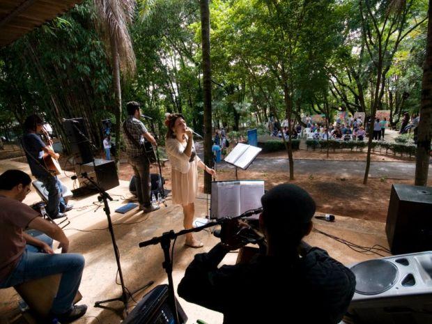 Na programação tem apresentação musical, teatro, exposições; tudo ao ar livre.  (Foto: Divulgação/ Callil Neto)