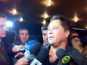 Cantor Leonardo visitou filho pela terceira vez em UTI após transferência para o Sírio, em São Paulo (Foto: Letícia Macedo/G1)