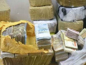 Dinheiro apreendido (Foto: Divulgação/Guarda Municipal)