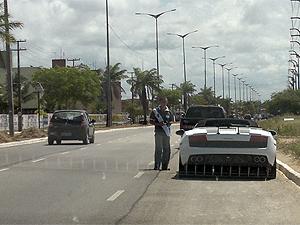 Lamborghini de empresário é flagrado circulando sem placa desde fevereiro (Foto: Divulgação/Detran-PB)