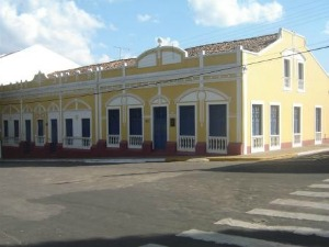Proprietários devem procurar prefeitura para que casarões sejam reformados (Foto: Prefeitura de Viçosa do Ceará/Divulgação)
