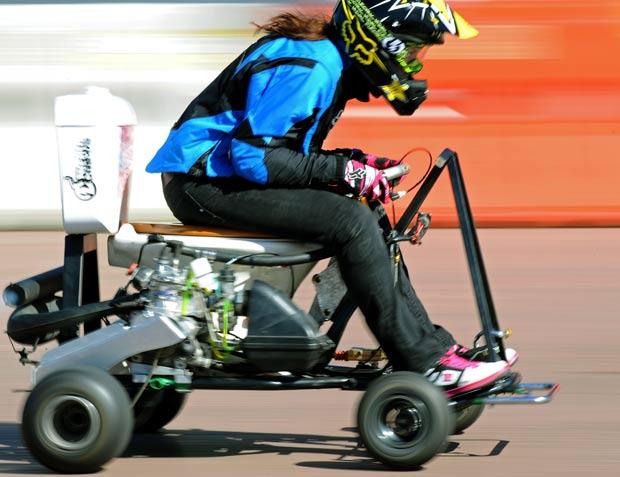 Jolene Van Vugt alcançou 75 km/h com privada motorizada. (Foto: Greg Wood/AFP)