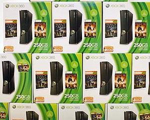 Consoles Xbox 360 são vendidos em loja da Microsoft em San Diego (Foto: Mike Blake/Reuters)