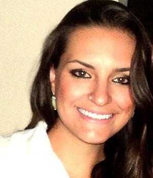 Fernanda Berwian, de 24 anos, terminou o relacionamento depois que o ex-namorado foi marcado em uma foto de festa (Foto: Arquivo pessoal)