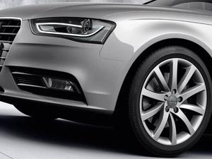 Audi A4 ganhou luzes diurnas de LED colocados em um tubo contínuo: fim dos pontos de luz (Foto: Divulgação)