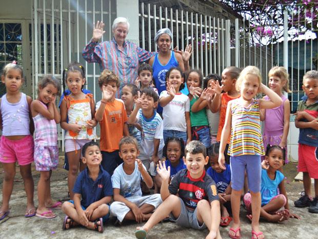 Amália Pasin em visita a Casa do Menor Coração de Maria (Foto: Mariaurea Machado)