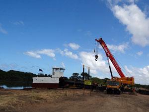 Draga começa o trabalho no rio Beberibe nesta quarta (2). (Foto: Katherine Coutinho / G1)