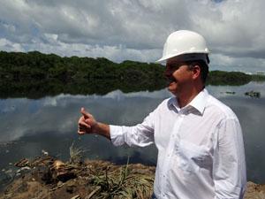 Eduardo Campos explicou detalhes do projeto. (Foto: Katherine Coutinho / G1)
