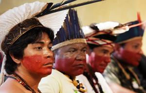 Índios acompanham julgamento no STF sobre legalidade de terras indígenas no sul da Bahia (Foto: Foto:Nelson Jr./SCO/STF (02/05/2012) )