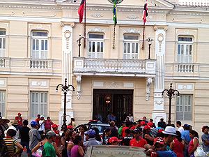 Líderes do MST e governador da PB se reúnem no palácio da Redenção (Foto: Walter Paparazzo/G1 PB)