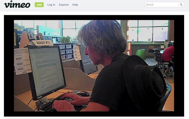 Suelo mantém um blog e é um membro ativo de sua comunidade. (Foto: Reprodução)