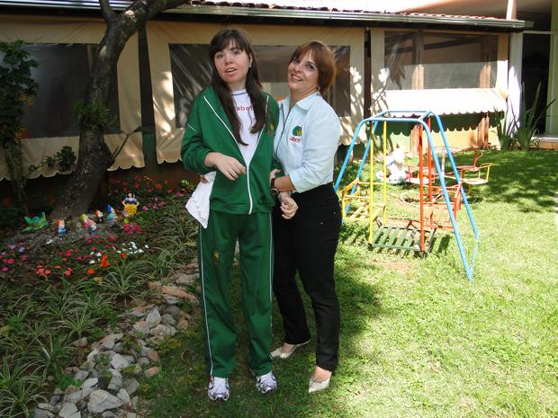 Flávia da Silva e a mãe Márcia da Silva (Foto: Alex Araújo/G1)