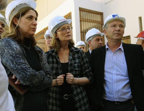 Maria do Rosário (C), acompanhada de Busato e da juíza Thaís Ferraz, do Conselho Nacional do Ministério Público (CNMP),  (Foto: Roberta Salinet/RBS TV)