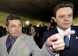 Vital do Rêgo e o deputado Odair Cunha, relator, na última quarta-feira (2), segundo dia de trabalhos da CPI (Foto: Geraldo Magela/Agência Senado)