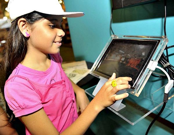Bienal contou com lançamento de e-books (Foto: Alfredo Fernandes/Agecom)