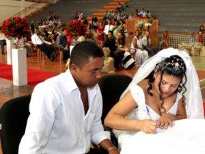Em quatro edições, desde 2007, 157 casais participaram do casamento comunitário (Foto: Divulgação/ Prefeitura)