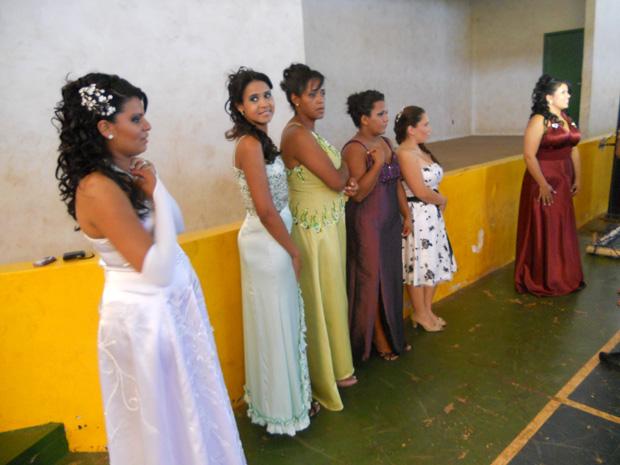 Noivas prontas para a cerimônia (Foto: Divulgação/Secretaria de Justiça)